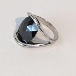☀️ Lia Sophia multi faceted black glass stone ring